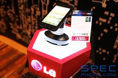 Hands-On LG Optimus Black 44