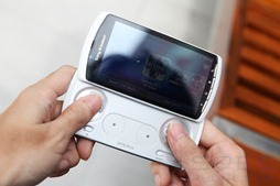 Review Sony Ericsson Xperia play 23