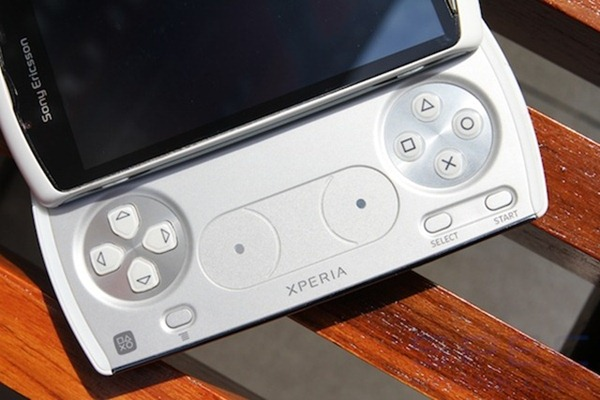 Review Sony Ericsson Xperia play 7