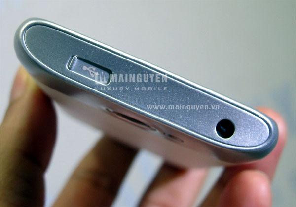 Samsung-Galaxy-W-I8150_5