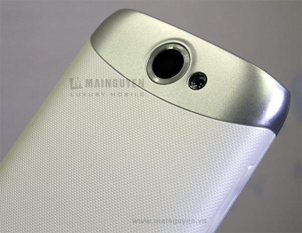 Samsung-Galaxy-W-I8150_7