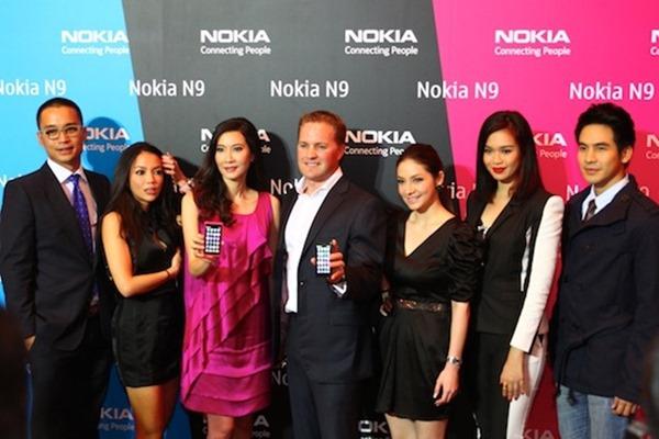 Nokia N9 Opening 1