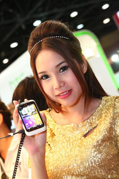 Thailand Mobile Expo Showcase 2011 Pretty1 40