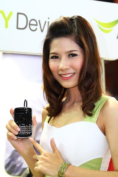 Thailand Mobile Expo Showcase 2011 Pretty1 49