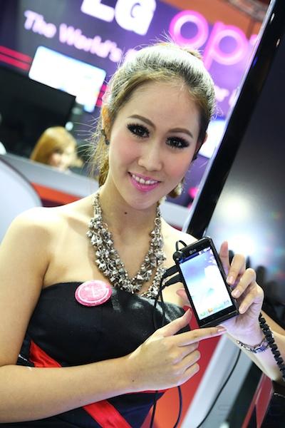 Thailand Mobile Expo Showcase 2011 Pretty1 6