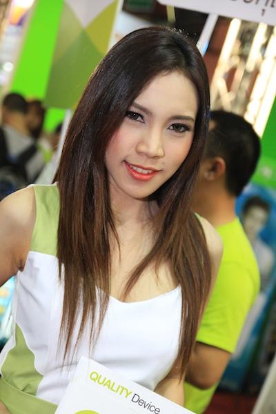 Thailand Mobile Expo Showcase 2011 Pretty2 10