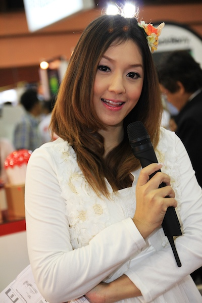 Thailand Mobile Expo Showcase 2011 Pretty2 15
