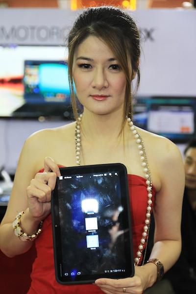 Thailand Mobile Expo Showcase 2011 Pretty2 22