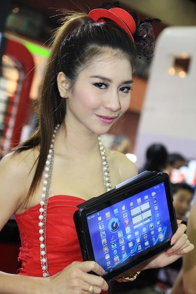 Thailand Mobile Expo Showcase 2011 Pretty2 24