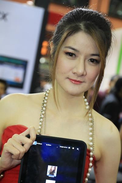 Thailand Mobile Expo Showcase 2011 Pretty2 25