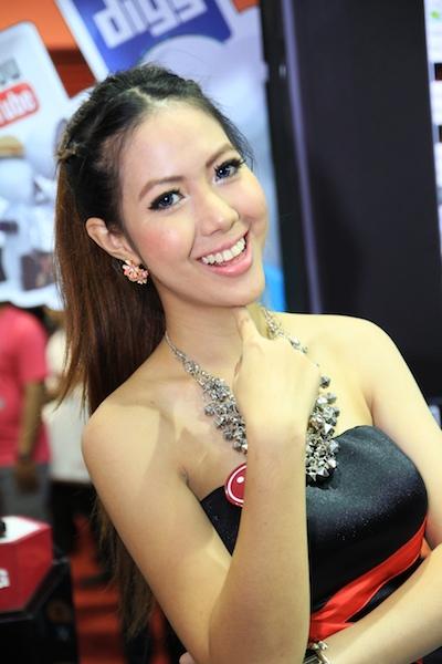 Thailand Mobile Expo Showcase 2011 Pretty2 30