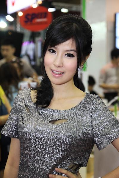 Thailand Mobile Expo Showcase 2011 Pretty2 33