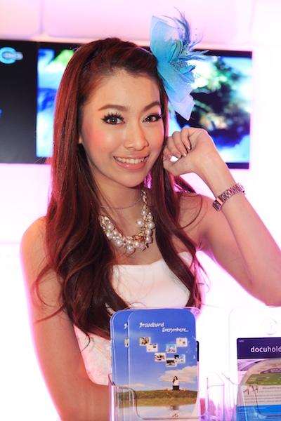 Thailand Mobile Expo Showcase 2011 Pretty2 50