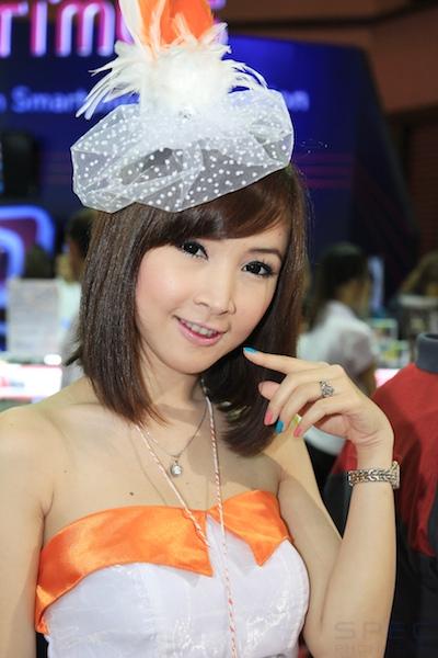 พาชมพริ้ตตี้สาวในงาน Thailand Mobile Expo Showcase 2011 ? Part 2.5