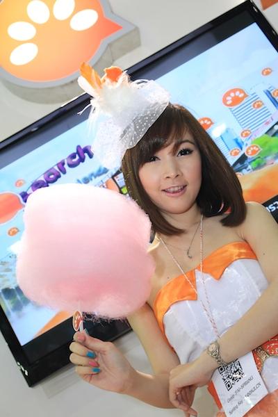 Thailand Mobile Expo Showcase 2011 Pretty2 64