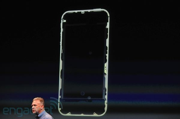 เอาแล้วไง! ศ.เดนมาร์กชี้ เสาอากาศใหม่ iPhone 4S ละเมิดสิทธิบัตรของ Samsung