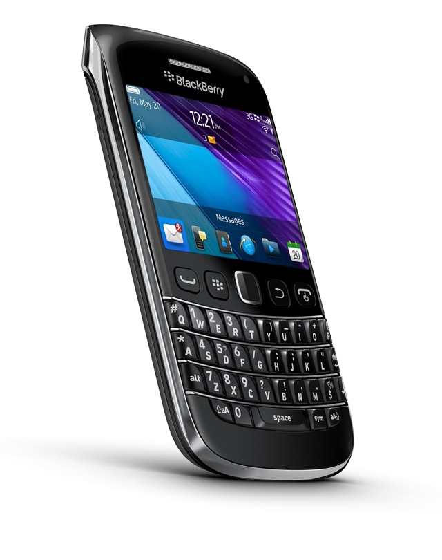 Bold9790_blk_ENG_Gen_AdAngle