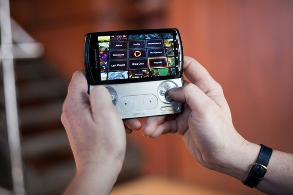 onlive-now-fully-support-the-xperia-play-virtual-thumbsticks-an