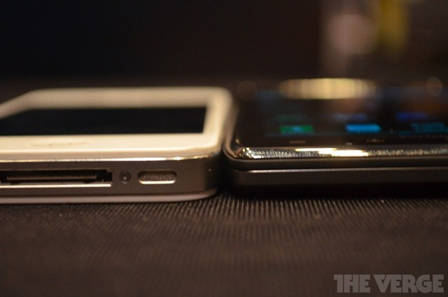 Droid-Razr-Maxx-CES-hands-on-7_gallery_post