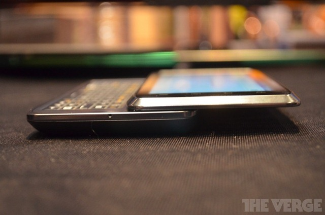 Motorola-Droid-4-CES-6_gallery_post
