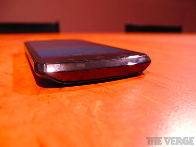 fujitsu-quad-core-prototype-hands-on-018-1020_gallery_post