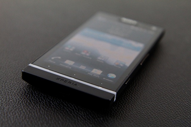 Review Sony Xperia S  6