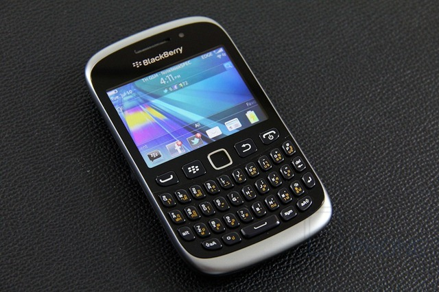 BlackBerry Curve 9360 Review 1