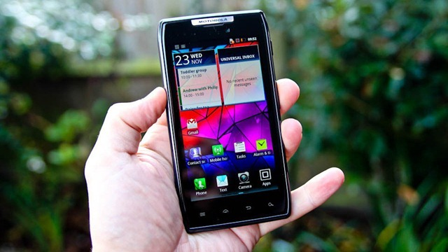 motorola-droid-razr-phone-review-0