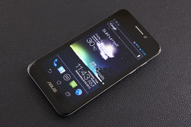 ASUS Padfone Review 001