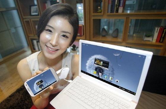 Samsung Spider Laptop เเปลงร่าง Galaxy S III ให้กลายเป็นเน็ตบุ๊ก