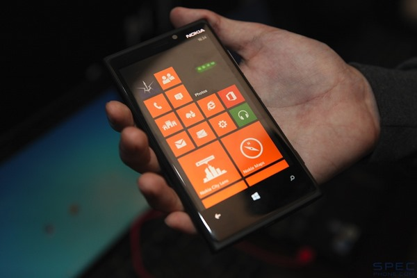 Nokia Lumia 920 Hands-On 023