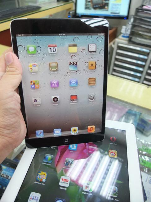ภาพ mock-up ของ iPad Mini หลุดอีกครั้ง คราวนี้เห็นรอบตัว พบเปลี่ยนดีไซน์ลำโพงใหม่