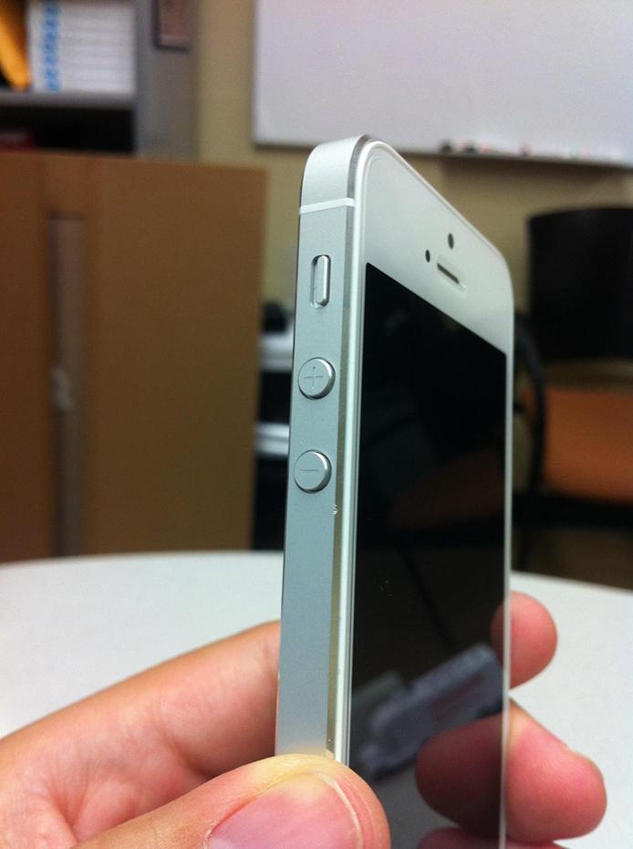 iPhone 5 อาจผลิตได้ช้าลง เพราะต้องควบคุมคุณภาพตัวเครื่องส่วนอะลูมิเนียมให้เข้มขึ้น