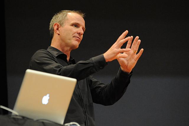 อดีตวิศวกร Apple ให้ความเห็น : Cook และทีมผู้บริหารผิดพลาดที่ไล่ Forstall ออก