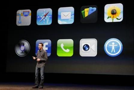 รายงานเผย Forstall ไม่ขอประชุมและร่วมงานกับ Ive ในการออกแบบ iPhone รุ่นใหม่