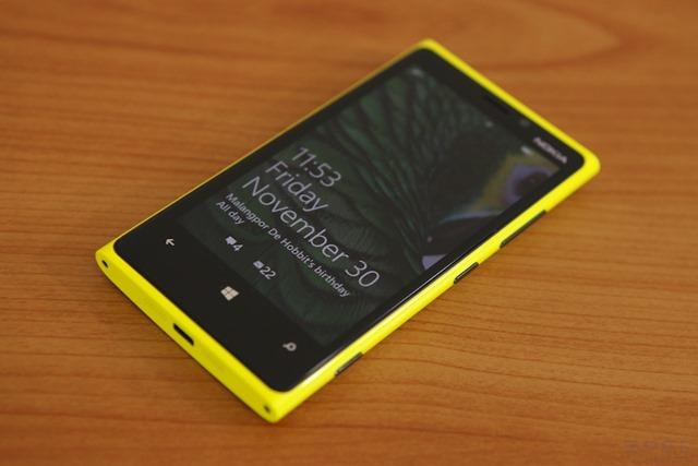 รีวิว Nokia Lumia 920 : สมาร์ทโฟนตัวท็อปแห่งสาย Windows Phone ที่เกือบสมบูรณ์แบบ