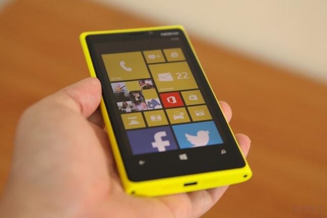 Nokia_Lumia_920_Review 025