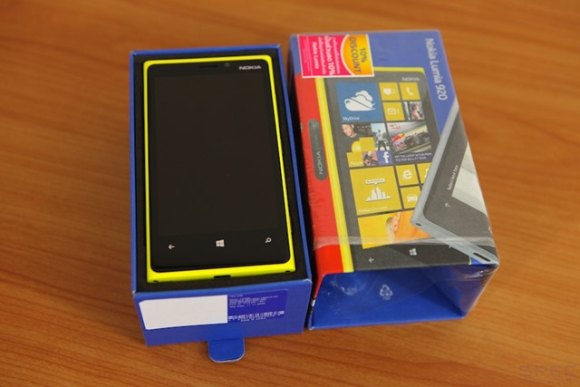 Nokia_Lumia_920_Review 029
