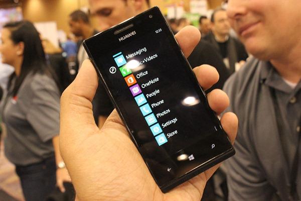 [CES 2013] Huawei Ascend W1 ปรากฏโฉม Windows Phone 8 ระดับเริ่มต้นราคาไม่เเพง