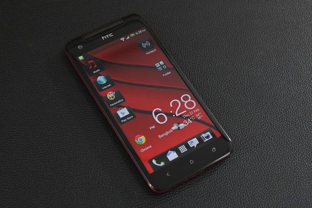 รีวิว HTC Butterfly: มือถือจอสวย Full HD โครงร่างแข็งแกร่งแต่บางเฉียบ