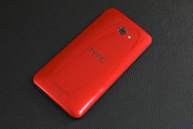 HTC Butterfly Review 005