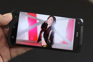 HTC Butterfly Review 030