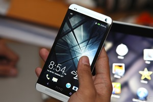 HTC One Hands-on 077