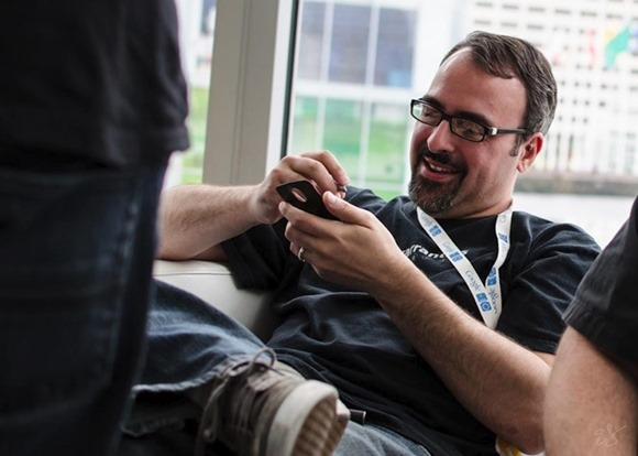 ผู้ก่อตั้ง CyanogenMod บอก Galaxy S4 สเปคดี แต่ TouchWiz นั้นกลับไปโบราณเหมือน Android 2.2
