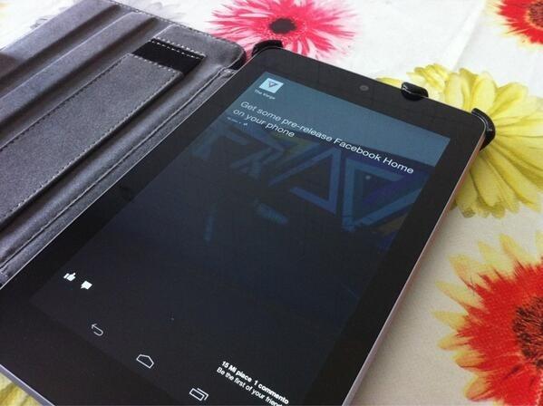 หลุดไฟล์ติดตั้งของ Facebook Home ใช้งานได้บน Nexus 4