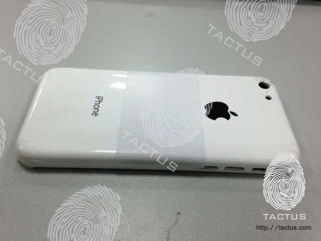 ภาพหลุดว่าที่ฝาหลัง iPhone ราคาประหยัดมาอีกแล้ว รูปร่างโค้งมนและใช้วัสดุเป็นโพลีคาร์บอเนต