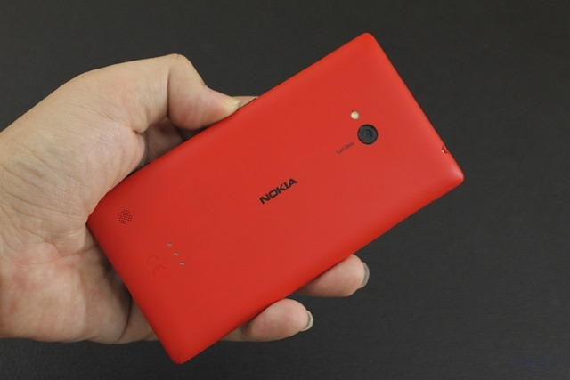 Nokia Lumia 720 & 520 Review 043