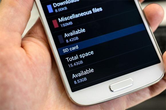 Samsung กำลังพัฒนาตัวอัพเดทเพื่อแก้ไขปัญหาเรื่องพื้นที่ของ Galaxy S4 กินพื้นที่เครื่องมากเกินไป