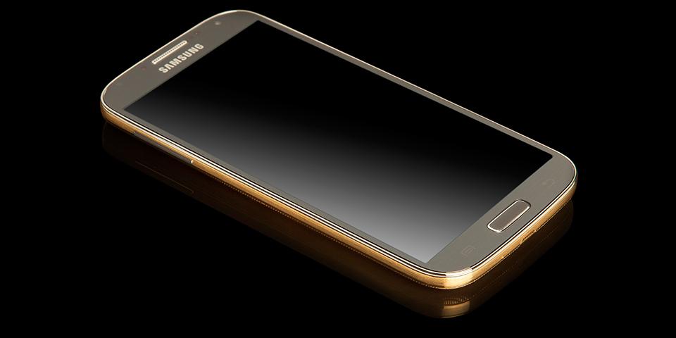ทันสมัยอย่างมีระดับด้วย Galaxy S4 ชุบตัวด้วยทองจาก Goldgenie สนนราคาเกือบแปดหมื่นบาท