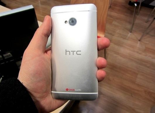 htc_one_back